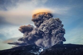 volcano iceland shutterstock_208502041