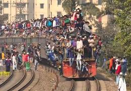 Bahnfahren in Bangladesh