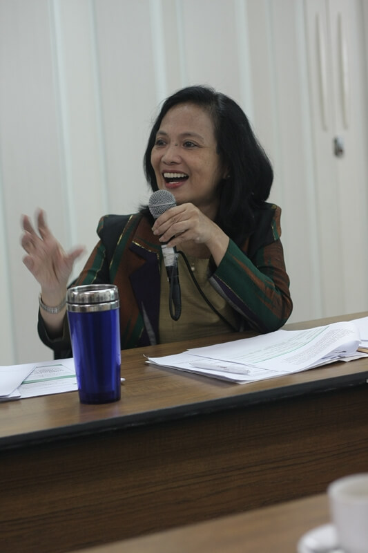 ISEA President Marie Lisa Dacanay presents ISEA's accomplishments for the period January 2011-June 2012.