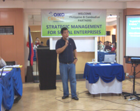 Prof. Francisco (Jay) Bernardo III, Ten Outstanding Young Persons Awardee for Entrepreneurship and Director of ACE Center for Entrepreneurship and Management Education Inc facilitates a learning session on Creating Product-Market Fit.