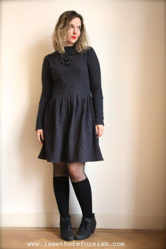 A Gable Dress, made using the Gable expansion pack from Jennifer Lauren, made out of Atelier Brunette French Terry