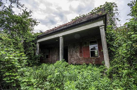 Abandon Building