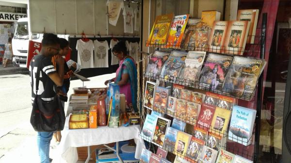 Book tables inspire people in Hong Kong | ISKCON Book ...