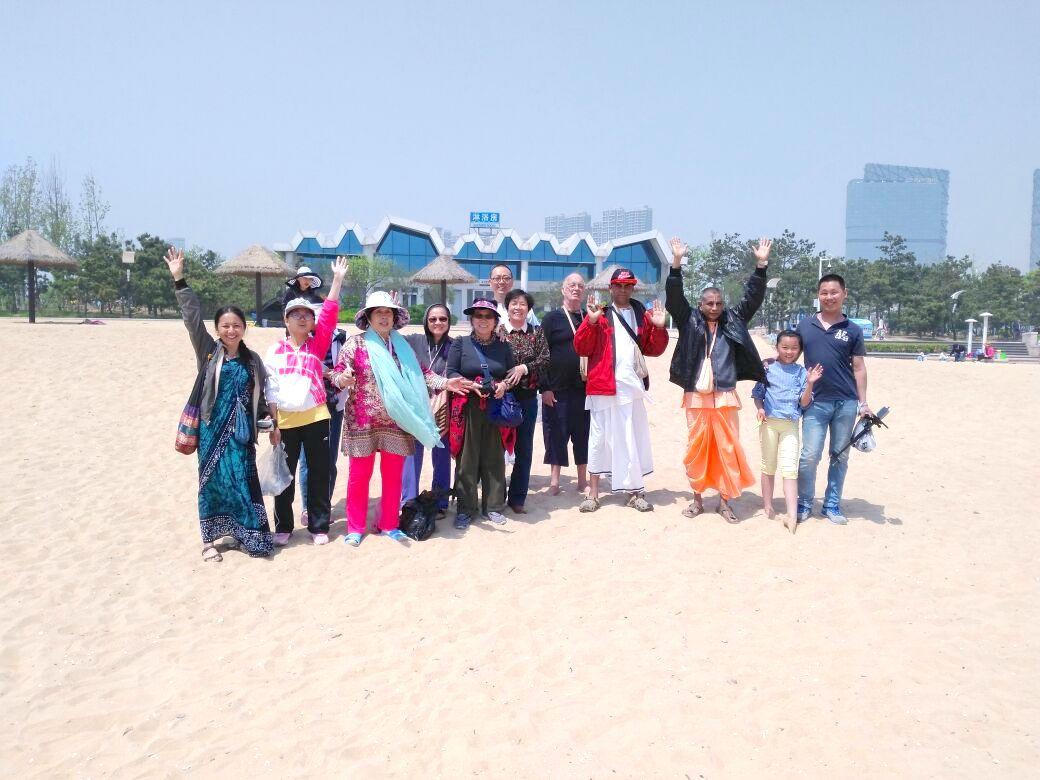 kirtana-qingdao-beach-1
