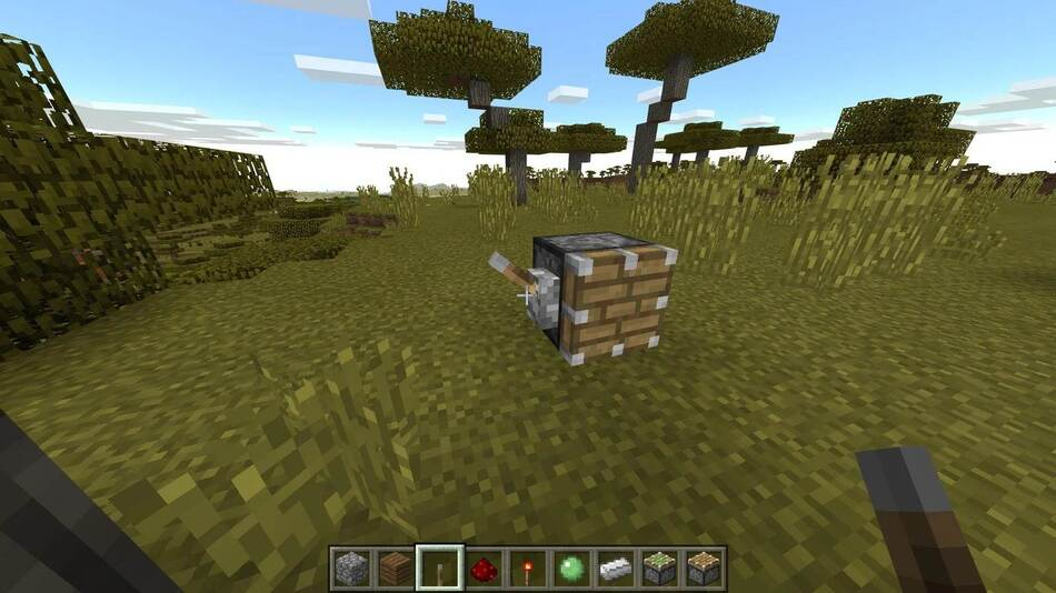 How to make a piston and a sticky piston in Minecraft