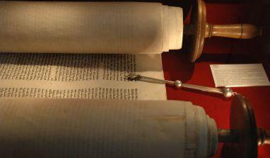 Jésus n'est-Il qu'un prophète venu confirmer la Torah(Cf. Coran 5.46) ?