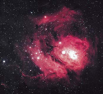 Nebula Laguna adalah sebuah gumpalan gas dan asap yang berdiameter  sekitar 60 tahun cahaya. Ia dipendarkan oleh radiasi ultraviolet dari  bintang panas yang baru saja terbentuk di dalam gumpalan tersebut.