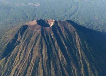 Ilustrasi gunung. Foto: Kompas