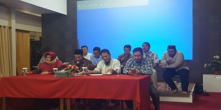 Tim Advokasi GNPF Ulama. Foto: Rhio/Islampos