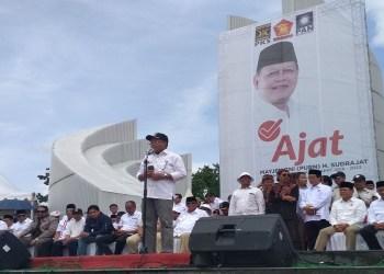 Calon Gubernur dan Wakil Gubernur Jawa Barat Sudrajat-Ahmad Syaikhu mendeklarasikan diri di Monumen Perjuangan Rakyat (Monpera), Bandung, Jawa Barat, Rabu (10/1/2018). Foto: Saifal/Islampos.