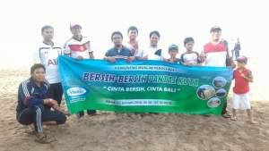 Semarak, 6.200 Muslim Bali Bersih-Bersih Pantai 2
