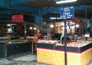 Kios pedagang ayam di Pasar Atas, Cimahi, Foto: Saifal/Islampos