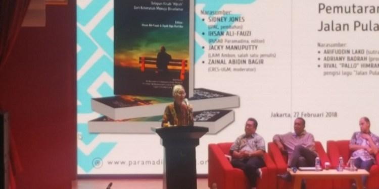 """Pusat Studi Agama dan Demokrasi (PUSAD), Yayasan Paramadina, Jakarta mengadakan diskusi sekaligus peluncuran dan Bedah Buku """"Keluar dari Ekstremisme"""", di Gedung Perpustakaan Nasional Jakarta Pusat, Selasa (27/2). Foto: Rhio/Islampos."""