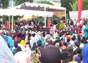 Dzikir bareng Brigez dan Ustaz Evie Effendi di Alun-alun Lembang, Bandung Barat, Ahad (1/4/2018). Foto: Saifal/Islampos.