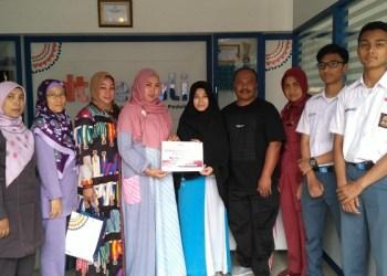 SMA 3 Cimahi lakukan penggalangan dana untuk korban bencana Palu. Foto: Saifal/Islampos