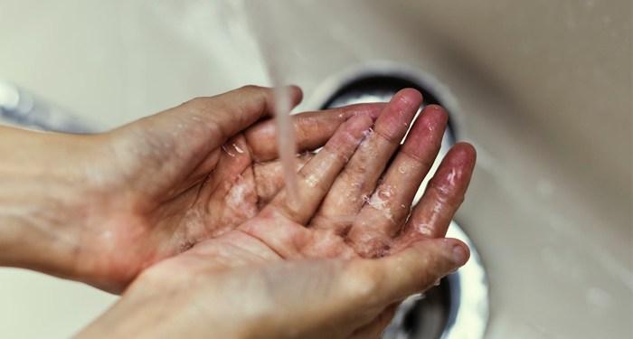 Sering cuci tangan merupakan bagian dari kesehatan.