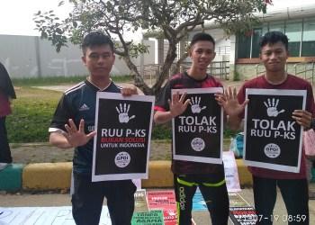 Gerakan Peduli Generasi Indonesia (GPGI) tolak RUU P-KS. Foto: Rhio/Islampos