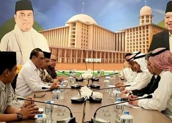 Pertemuan antara DMI dan Pimpinan Yayasan Museum as-Salamu Alayka Ayyuha an-Nabiyy Abdullah Nassir. Foto: Pare Pos - Fajar