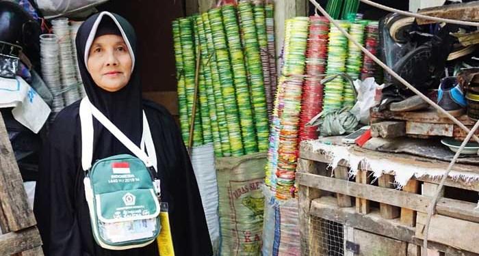 Ibu Maryani, pemulung yang bisa naik haji. Foto: Anadolu Agency