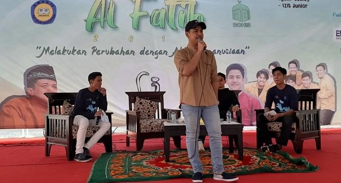 Syakir Daulay, selebritis muda tanah air kagum dan bangga dengan SMAN 70 rayakan 1 Muharram 1441 H dengan kegiatan positif. Foto: Istimewa