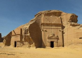 Peninggalan kaun Tsamud di Madain Shaleh, Arab Saudi.  Foto: UNESCO