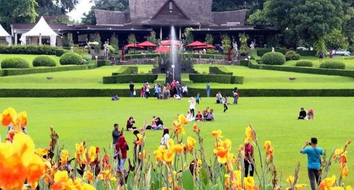 Kebun Raya Bogor. Foto: Travelingyuk