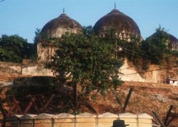 Masjid Babri yang dihancurkan tahun 1992. Foto: Al Jazeera