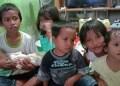 Enam anak yatim piatu yang ditinggalkan ayah ibunya kini tinggal bersama sang nenek di Kota Balikpapan, Kaltim, Selasa (25/2/2020). Foto: iNews