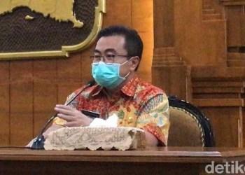 Direktur RSU dr Soetomo Surabaya dr Joni Wahyuhadi. Foto: Faiq Azmi/Detikcom