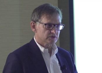 Dr Ian Lipkin. Foto:  YouTube