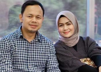 Wali Kota Bogor dan istri. Foto: Tribun