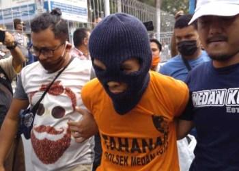 R (30), terduga pelaku pembunuhan dua anak di Medan. Foto: Detik.com