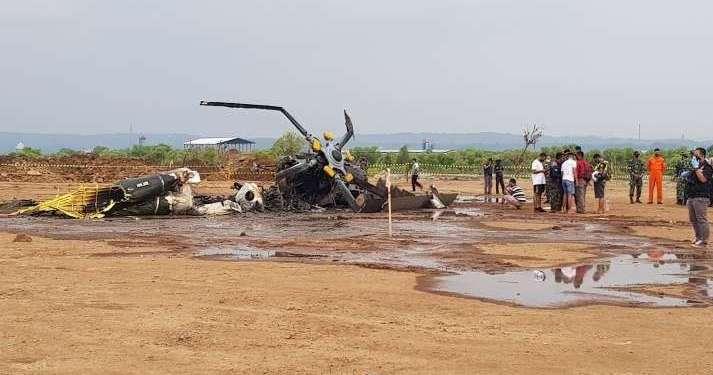 Helikopter berjenis Mi-17 milik TNI AD jatuh di Kawasan Industri Kendal, Jawa Tengah, pada Sabtu (6/6/2020) sekitar pukul 15.27 WIB. Foto: Kumparan