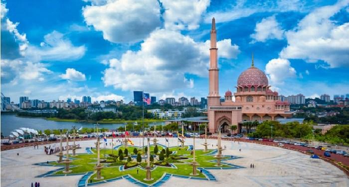 View Masjid di Putrajaya, Malaysia. Foto: Freepik