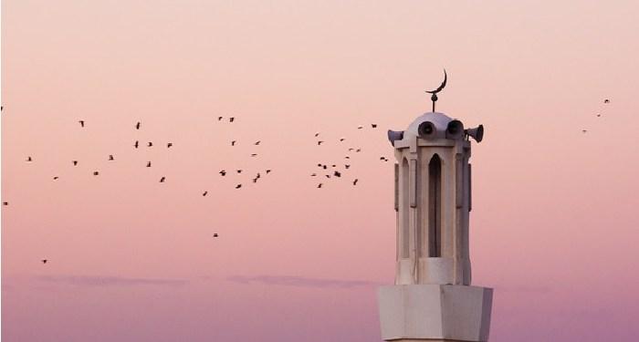 Azan Maghrib sebelum Waktunya, Jamaah Satu Masjid Diminta Mengqadha Puasa 1