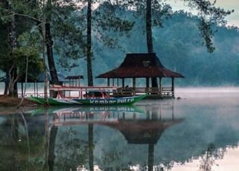 Situ Patenggang yang memesona. Foto: Travelciwidey