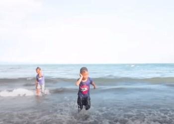 Bocah Filipina alami kejadian tak terduga usai bermain di pantai. Foto: mckzonedaily.com