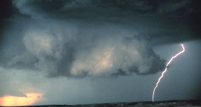Awan cumulonimbus. Foto: Anserve