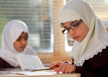 anak belajar ilmu yang bermanfaat (ilustrasi)
