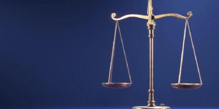 timbangan neraca ilustrasi keseimbangan dunia dan akhirat
