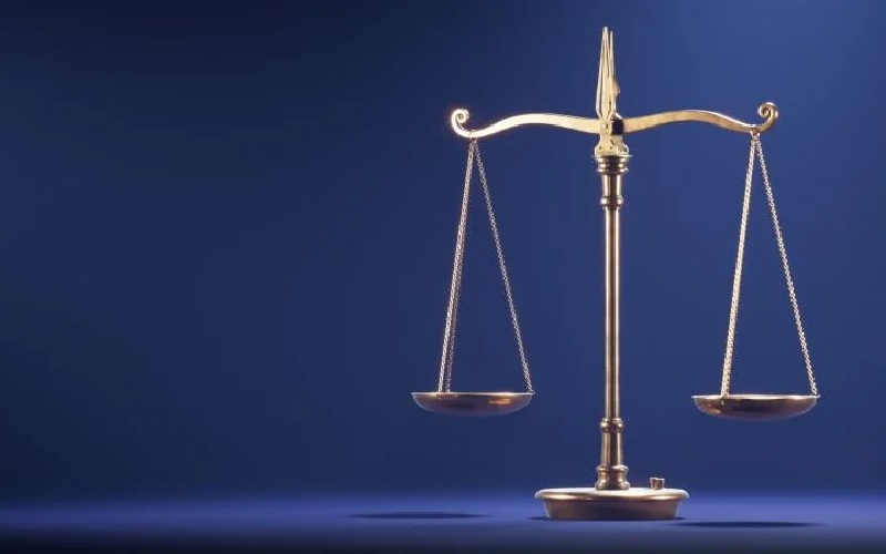 manfaat shalat tasbih, timbangan neraca ilustrasi keseimbangan dunia dan akhirat