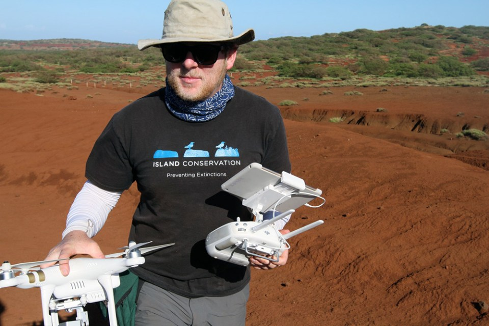 island-conservation-preventing-extinctions-david-will-drones-kahoolawe