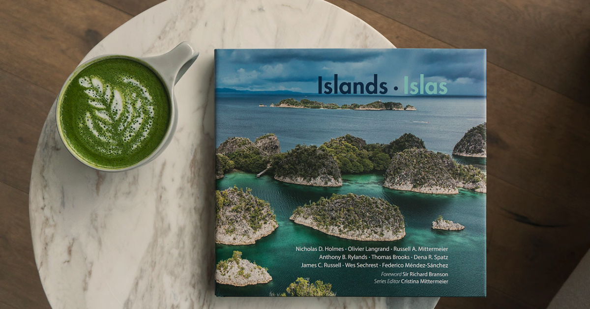 island-conservation-invasive-species-preventing-extinctions-CEMEX-island-book