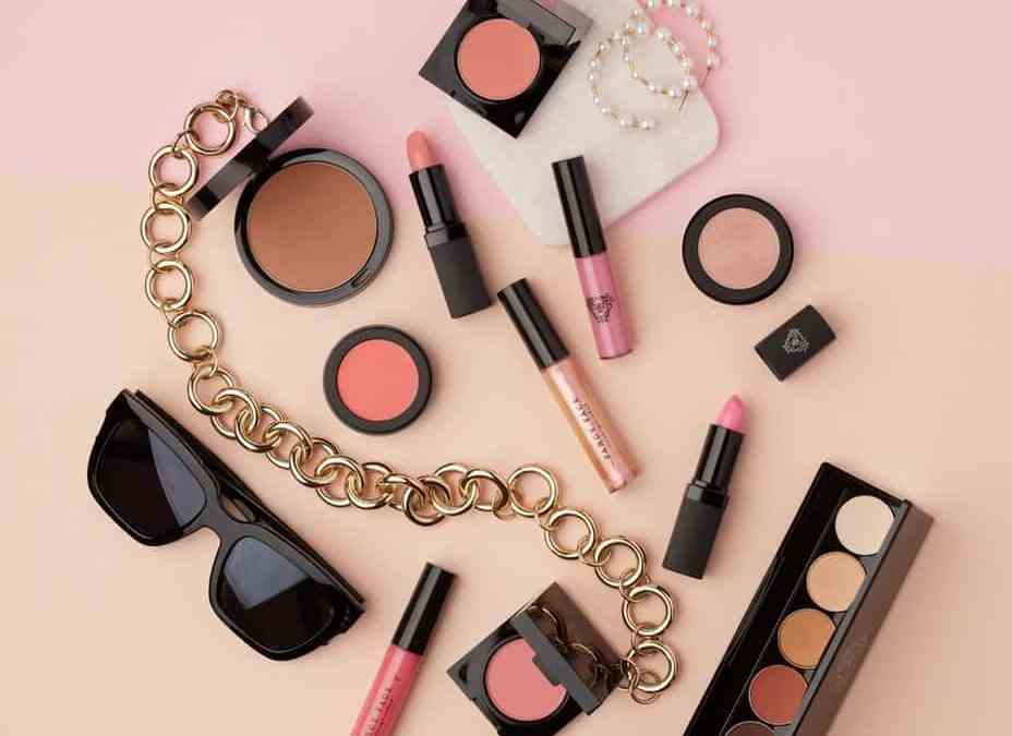 5 MUST-HAVE PRODUCTS FROM FANCY FACE