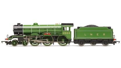 RailRoad, LNER, B17 Class, 4-6-0, 2864 'Liverpool' - Era 3