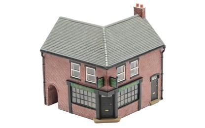 Hornby 'The 19th Hole' Corner Pub