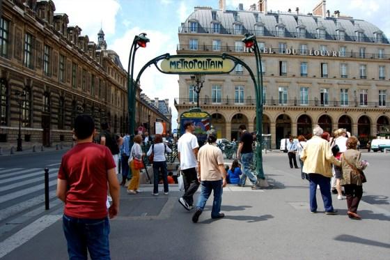 El nuevo timo a Turistas en Paris… ojo!!! cuando cojas el metro.