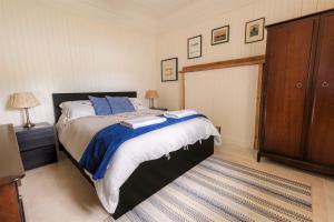 Carna cottage master bedroom