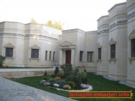 İsmayıllı rayon İcra Hakimiyyəti başçısı Mirdaməd Sadıqovun məruzəsi
