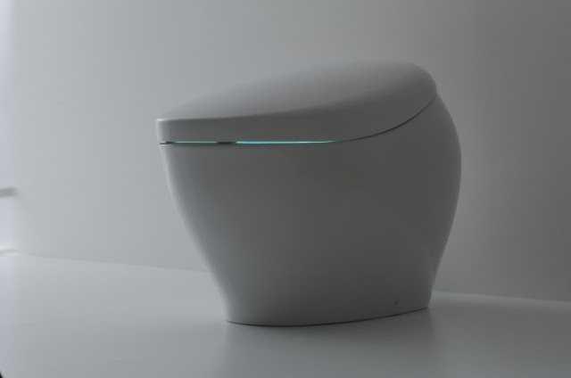 CES 2018'de açıklanan yüksek teknolojiye sahip bir tuvalet karşınızda.
